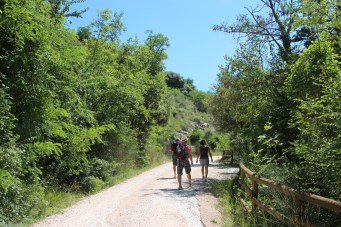 Hiking, Gola del Furlo