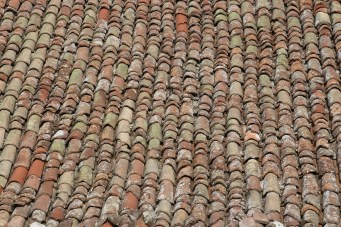 Longiano, special roof tiles