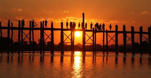 sunset ubein bridge
