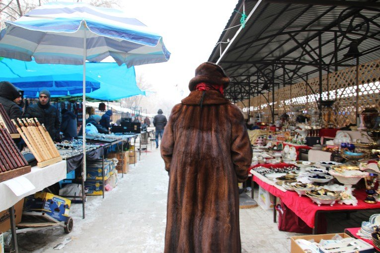 Market and fur