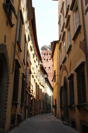 Lucca, small street